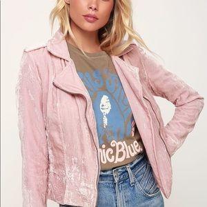 BB DAKOTA Rose You Stay Velvet Jacket pink trendy